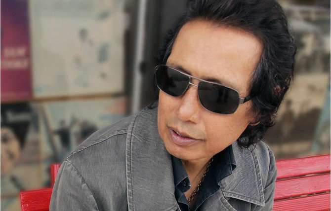 Alternative rock singer/songwriter Alejandro Escovedo will perform with his band, The Sensitive Boys, Nov. 1.
