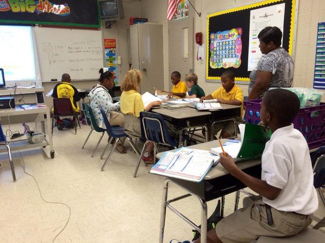 Fourth Grade Math Teacher Adelia Weatherspoon Teaches Her Clcommon Core Math At Higgins Middle School