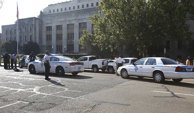 A suspected domestic-violence situation prompted a high-speed police chased that ended with a six-car collision in downtown Jackson.