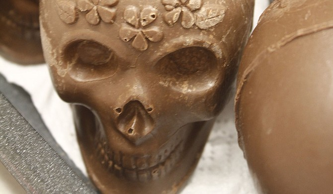 In Diá de los Muertos celebrations, sugar skulls represent those who have passed away.