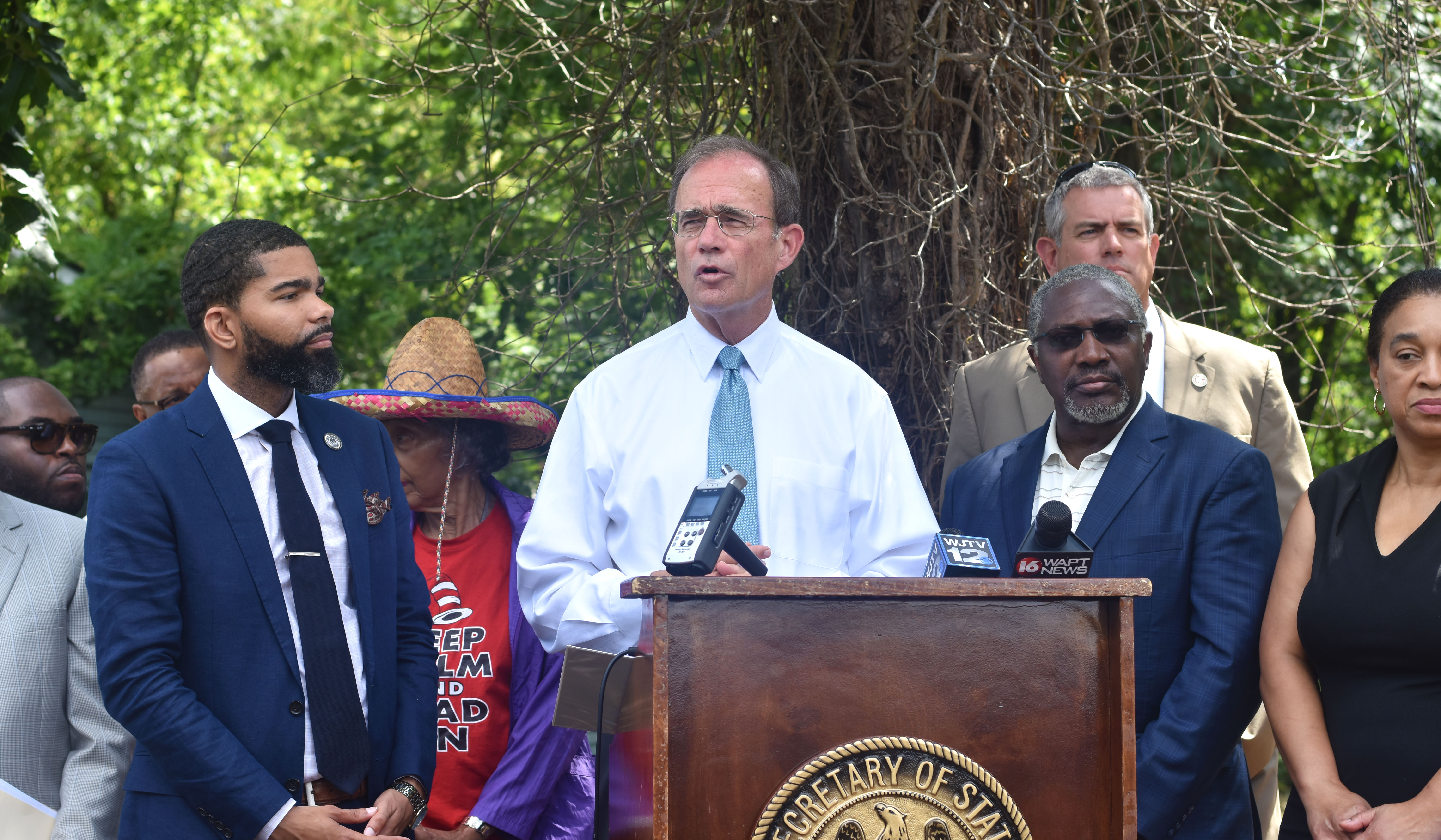 Secretary of State and Revitalize Mississippi Partner to Eliminate Blight