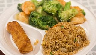 Ty Bowls has dishes such as shrimp and broccoli, fried rice and egg rolls.