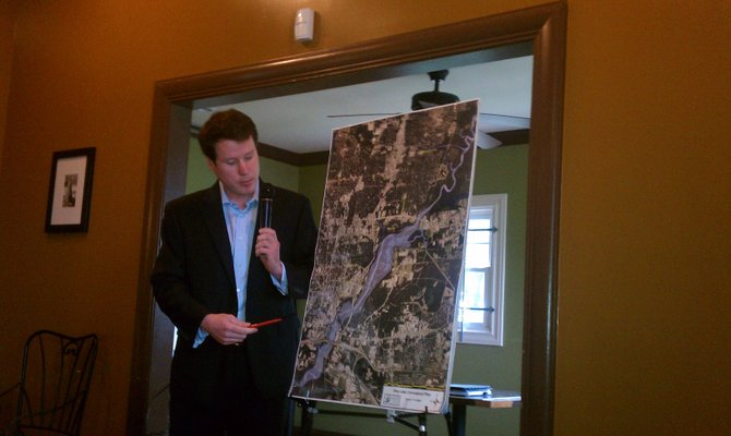Pearl River Vision Foundation's Dallas Quinn updated residents on a flood reduction plan for the capital city area.