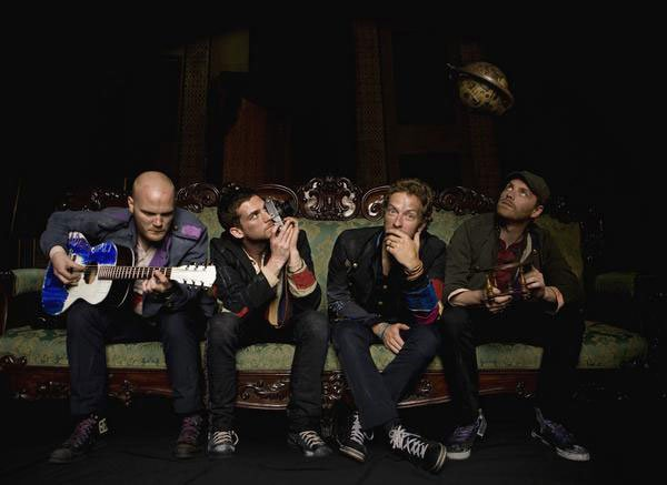 "Coldplay's new album ""Viva La Vida"" falls short of what the band needs to evolve into a distinct, unpredictable sound."