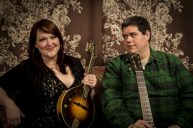 Bluegrass duo Grits and Soul will perform at Hal & Mal's Friday, Dec. 28.