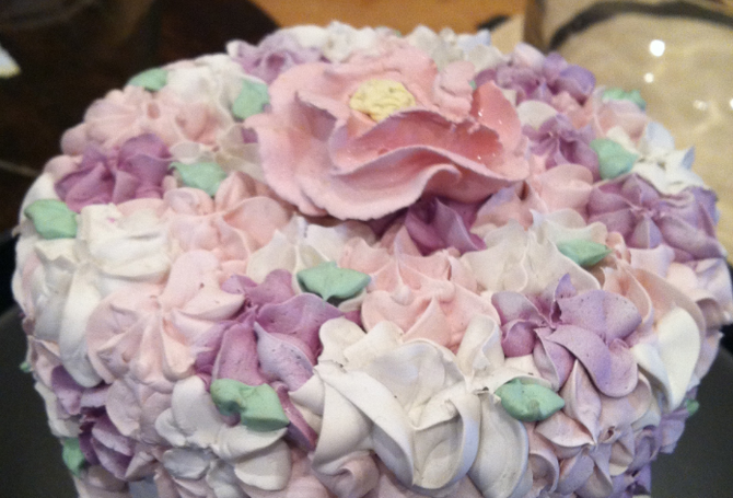 Baking and decorating a homemade cake can be a touching wedding gift.
