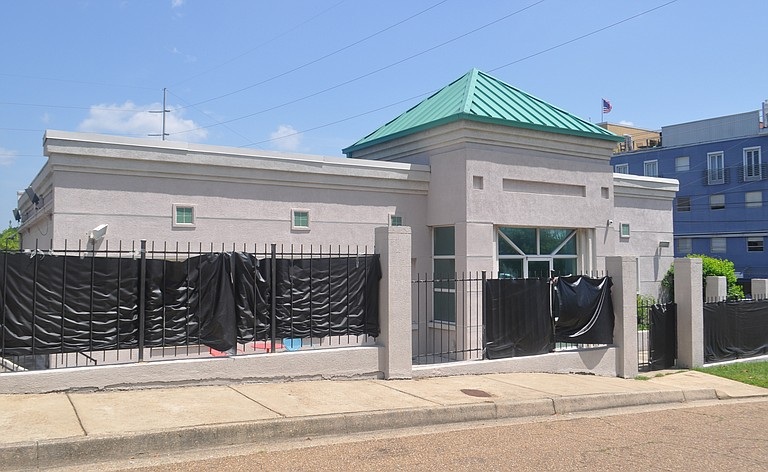 As of today, the Mississippi State Department of Health has not inspected the state's last abortion clinic to determine whether the clinic is in compliance with a state law Gov. Phil Bryant signed last spring requiring the clinic's doctors to have hospital admitting privelages.