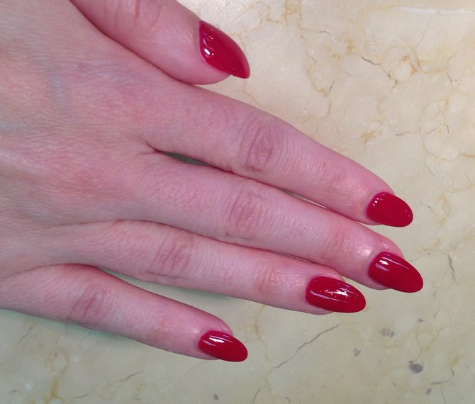 Stiletto nails make you instantly feel a little sexier and more dangerous.