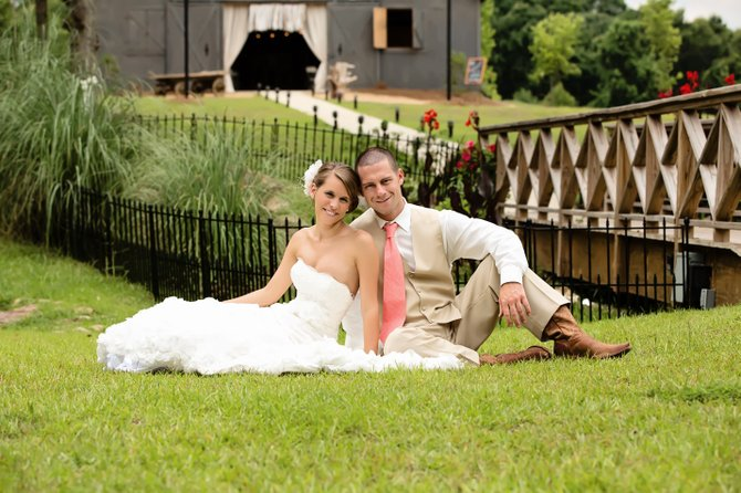 Lindsey Ponder and Hunter Lewis went for a rustic barn feel for their summer nuptials.