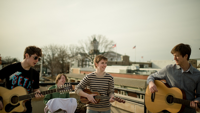 Oxford-based indie-rock bandThe Red Thangs performs at Morningbell Records Aug. 2.