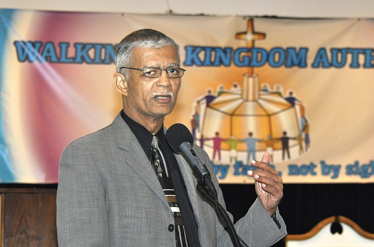 Jackson Mayor Chokwe Lumumba convinced the Jackson City Council to pass his massive $502.5 million budget by holding town-hall meetings and public hearings to address the finer points of his plan.