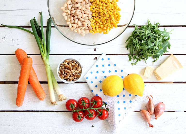 Clean eating emphasizes unprocessed foods that are close to their natural state.