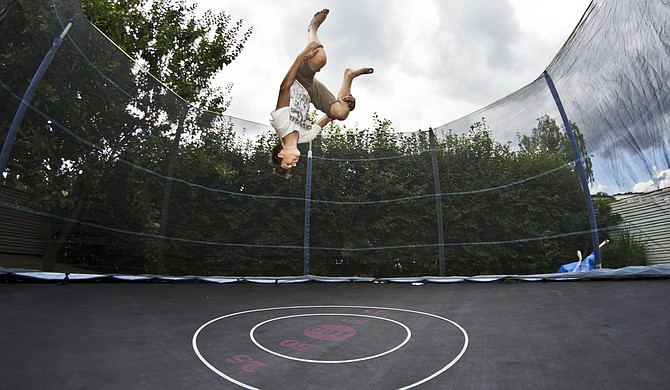 A 20-minute session of trampoline jumping burns about 100 calories. Photo courtesy Flicrk/SamuelSchultzbergBagge