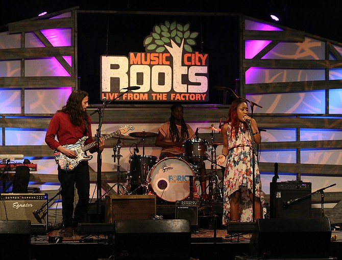 (Left to right) Guitarist Ori Naftaly often performs with Memphis, Tenn., natives Tikyra and Tiernii Jackson as The Ori Naftaly Band. Photo courtesy Music City Roots