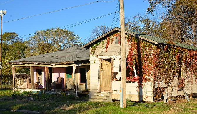 2015 Census Bureau data show that Mississippi is the only state where the rate of child poverty rose in the past year; rural areas like the Delta account for more child poverty than urban areas. Photo courtesy James Trimarco