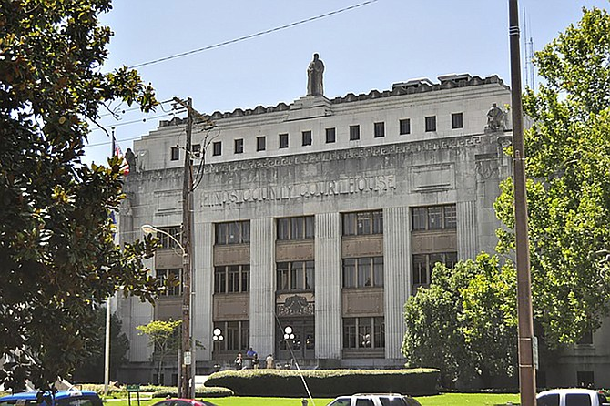 Retro Metro, LLC alleges that the City owes them $650,000 for breaching terms of its lease at Metrocenter Mall beginning in 2011. The 2016 lawsuit against the City of Jackson will go to trial at the Hinds County courthouse (pictured) later this month. Trip Burns/File Photo
