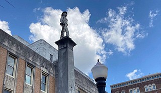 Supervisors in two Mississippi counties voted Monday not to move Confederate monuments that stand in front of courthouses. Photo courtesy Bill Graham/The Meridian Star via AP