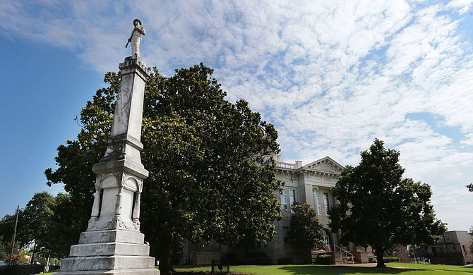 Lee County, a Mississippi county named for a Confederate Gen. Robert E. Lee, is keeping a Confederate monument outside a courthouse—at least for now. Photo courtesy Thomas Wells/The Northeast Mississippi Daily Journal via AP