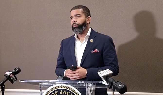 Mayor Chokwe A. Lumumba today updated the Safe Recovery Jackson Executive Order to include a provision that restaurants, bars, and retail establishments seeking to expand business services also contact Alcoholic Beverage Control. Photo courtesy City of Jackson